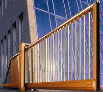 Portails coulissants / en aluminium / en acier / à barreaux