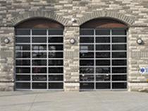 Porte industrielle sectionnelle / en aluminium / vitrée