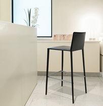 Chaise contemporaine / en tissu / en cuir / professionnelle