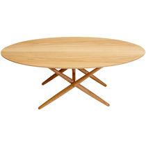 Table contemporaine / en chêne / en bois massif / en noyer