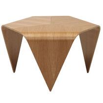 Table basse / contemporaine / en noyer / en bois laqué