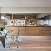 Cuisine contemporaine / en bois / en verre / en pierre naturelle