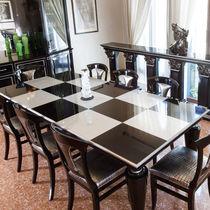 Table à manger contemporaine / en bois / rectangulaire