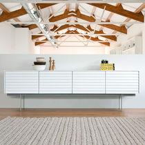 Buffet contemporain / en chêne / en noyer / en plaqué bois