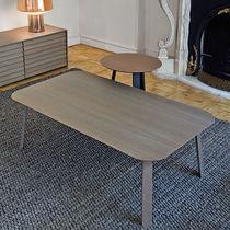 Table basse contemporaine / en chêne / en noyer / en MDF