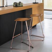 Tabouret de bar contemporain / en acier / en cuir / professionnel