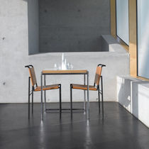 Table à manger contemporaine / en hêtre / en métal / en mélaminé