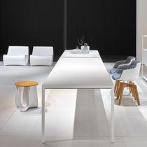 Table contemporaine / en aluminium / en stratifié / rectangulaire