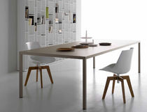 Table contemporaine / en métal / rectangulaire
