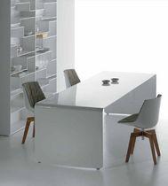 Table à manger / contemporaine / en aluminium laqué / rectangulaire