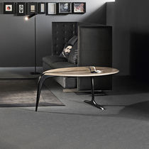 Table d'appoint / contemporaine / en bouleau / ovale