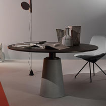 Table contemporaine / en MDF / en acier / en cuir