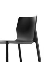 Chaise contemporaine / avec accoudoirs / empilable / en polypropylène