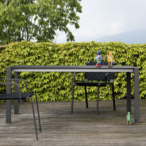 Table contemporaine / en acier inoxydable / en stratifié / rectangulaire