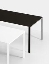 Table contemporaine / en bois / en aluminium / rectangulaire