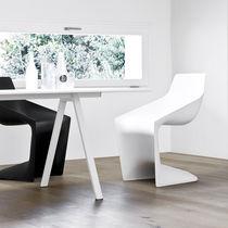 Chaise contemporaine / cantilever / en polypropylène / pour établissement public