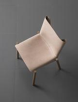 Chaise contemporaine / en métal / en bois / en cuir