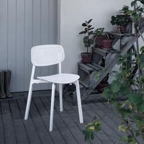 Chaise contemporaine / empilable / en aluminium / en polypropylène