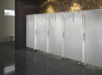 Cabine de douche en verre / professionnelle / avec porte battante