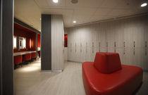 Casier vestiaire en bois / pour établissement public / pour installation sportive / pour pièce humide