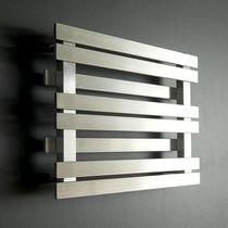 Sèche-serviettes à eau chaude / en acier / contemporain / horizontal
