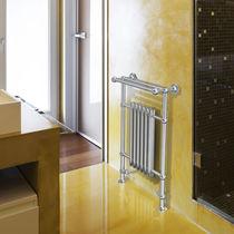 Sèche-serviettes à eau chaude / en acier / classique / de salle de bain