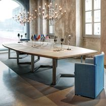 Table de réunion contemporaine / en chêne / octogonale