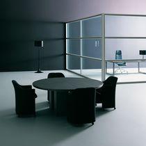 Table de réunion contemporaine / en bois / carrée / ronde