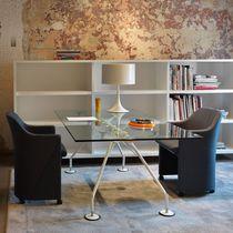 Table de réunion contemporaine / en verre / en métal / rectangulaire