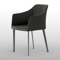 Chaise contemporaine / avec accoudoirs / en tissu / en bois