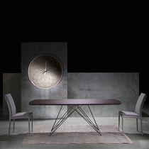 Table contemporaine / en bois / en verre / en métal