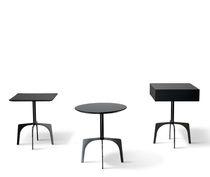 Table d'appoint contemporaine / en bois / en métal / ronde