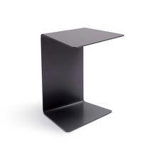 Table d'appoint contemporaine / en tôle / rectangulaire / carrée