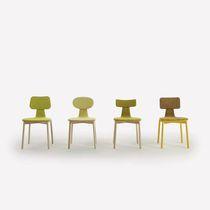 Chaise design scandinave / avec accoudoirs / tapissée / en frêne