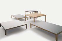 Table basse contemporaine / en bois / en céramique / carrée
