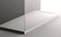 Receveur de douche rectangulaire / en Corian® / avec canal d'écoulement / sur mesure