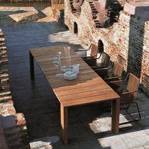 Table à manger contemporaine / en teck / rectangulaire / carrée