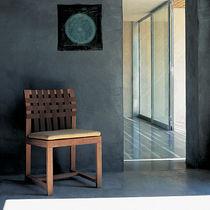 Chaise contemporaine / en teck / en polyester / grise