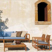 Table basse contemporaine / en teck / carrée / de jardin