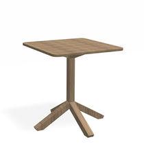 Table bistrot contemporaine / en HPL / en teck / carrée