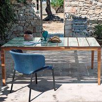 Table contemporaine / en teck / en céramique émaillée / rectangulaire