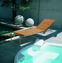 Chaise longue contemporaine / en teck / en acier inoxydable / de jardin