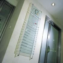 Plaque signalétique murale / fixe / au plafond / en verre