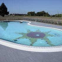 Carrelage de piscine / pour sol / en grès cérame / à motif