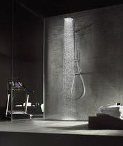 Colonne de douche thermostatique / avec douche à main