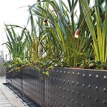 Borne d'éclairage de jardin / contemporaine / en cuivre / à LED