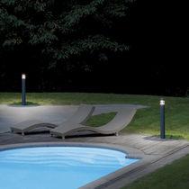 Borne d'éclairage de jardin / contemporaine / en polycarbonate / en aluminium