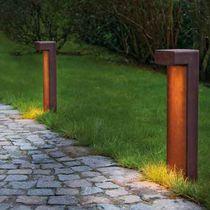 Borne d'éclairage de jardin / contemporaine / en fer / en aluminium