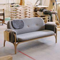 Canapé contemporain / en cuir / bois / 2 places