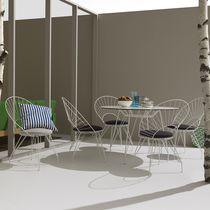 Chaise de jardin contemporaine / avec coussin amovible / en acier